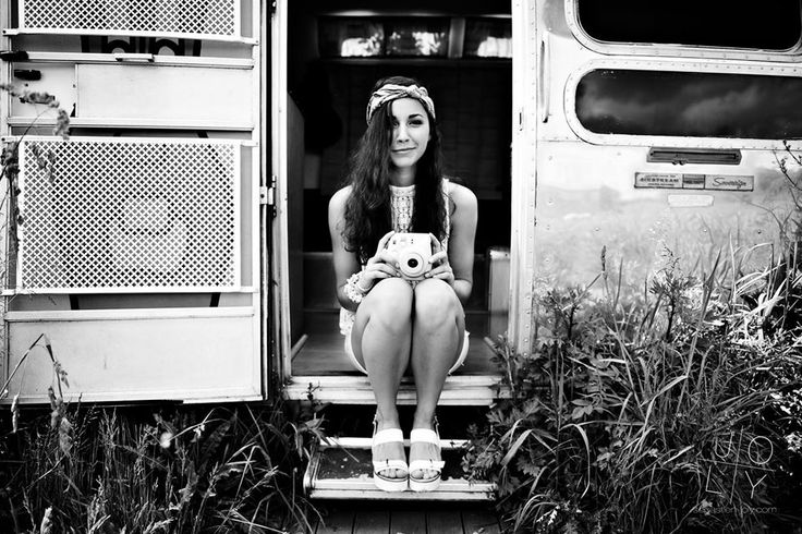 Shoot airstream photographe sebastien joly styliste louise lr make up charley collier