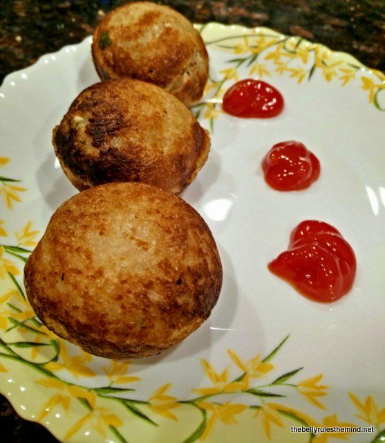 Bread rolls made in appe pan – The Belly Rules The Mind
