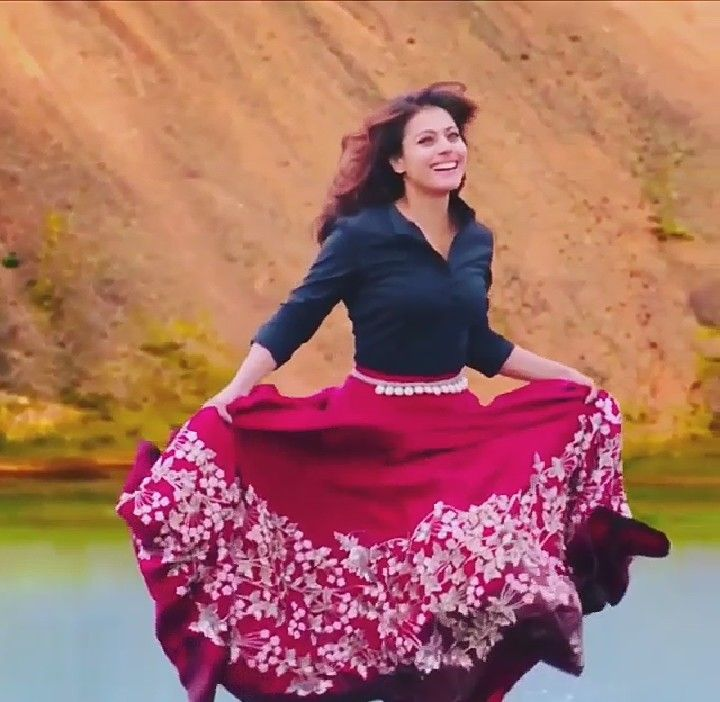 Kajol - Gerua Song Dilwale (2015) what a Awesome Movie -Action, Drama ,Romance and Comedy! Loved it!