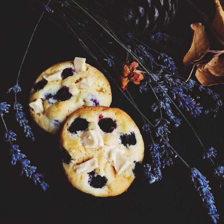bulutağacı: Yaban Mersini ile Kurabiye Denemeleri: Lavanta veya Limonlu ve Beyaz Çikolatalı Kurabiye ve Yabanmersinli Çikolatalı Kurabiye