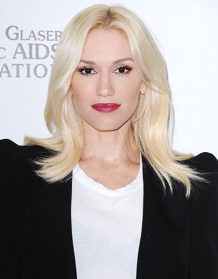 Gwen Stefani is a total inspiration when it comes to platinum blond strands — she makes them look flawless. // via @byrdiebeauty