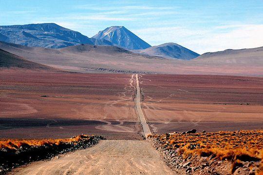 Région la plus chaude, montagne la plus élevée, plus grand fleuve... Découvrez quelques-uns des endroits les plus extrêmes du monde.