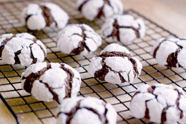Chocolate snowball crinkles recipe