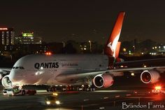 Late night arrival for Qantas A380