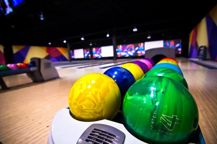 Champs is like an adult playground.  Bowling, pool, video games, bar, huge TV, and lots of sporting events.  The bar area, which is enclosed and separate from the bowling and video games area.  Could definitely see people bringing their families here for bowling and games, and I like that the sporting and drinking is separate and away from the kids.  Read more: http://www.discovermilton.com/blog/milton-bowling-with-moms-champs