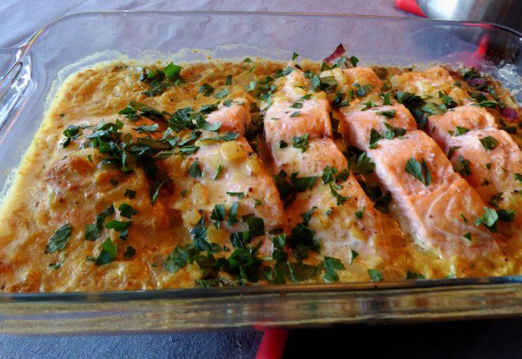 Hvorfor ikke prøve laks i curry en dag. Og om du gjør litt prepping kvelden før har du en kjapp og god hverdagsmiddag.