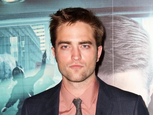 Dylan Penn: Identified as New Robert Pattinson Girlfriend!