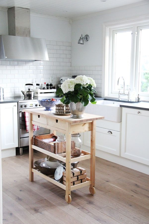 25+ best Small kitchen islands ideas on Pinterest  Small kitchen with island, Kitchen layouts