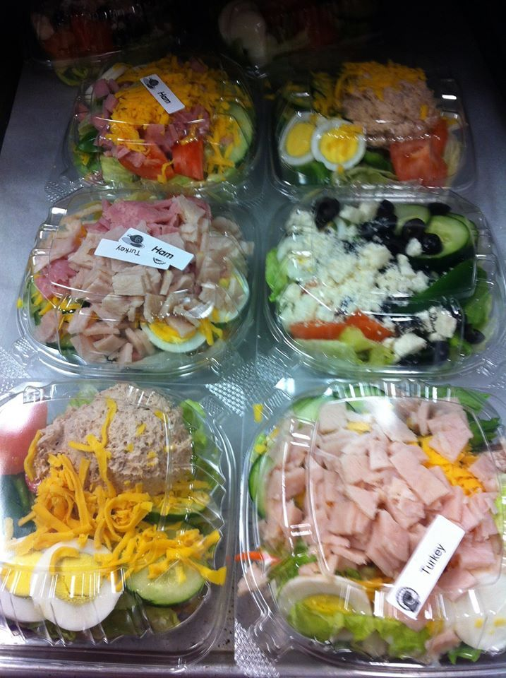 We love the choices in this photo from Ithaca School Food ... made for #SchoolLunch in February.