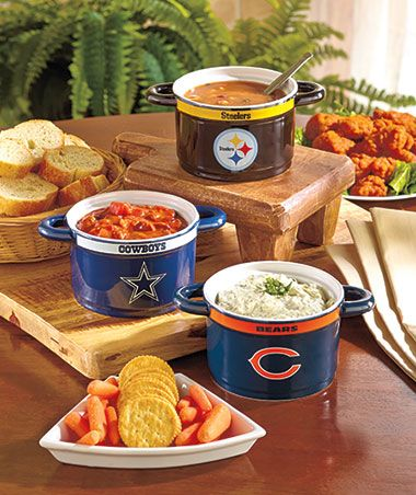 Eat your breakfast in style...or would also be great for dips, soup etc... NFL Gameday Sculpted Bowls