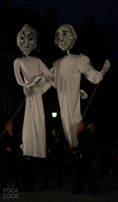 "Festiwal Teatrów Ulicznych w Warszawie ""Sztuka Ulicy"". Theater festival ""Street Art"" in Warsaw. #streetart #theater #mannequin"