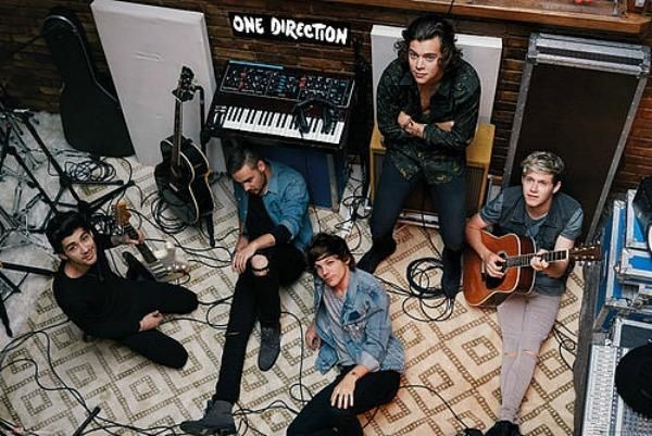 One Direction : Studio - Maxi Poster 91.5cm x 61cm (new & sealed)