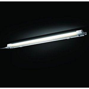 Wickes 13W T5 Under Cabinet Striplight 571mm | £14