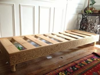 17 best images about salons marocains moroccan living for Moroccan sofa bed