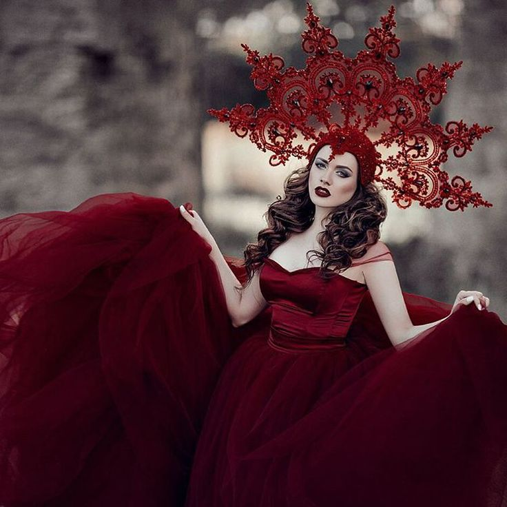 Model: @mariska_eva  MUAH: @tomusia__  Dress: @milaaveyde  Kokoshnik: @art.maska  #photographer #photoshop #photoshoot #photooftheday #portrait #model #russianmodel #red #kokoshnik #nature #grass #dress #lace #redlips #фотограф #фотосессия #фотодня #русский фотограф #аннакиселёвафотограф #красный #платье #кокошник #кружево #борщевик #трава #поле #осень