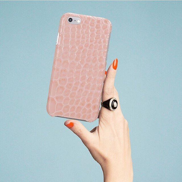 Think pink. #crocodile #light #pink #handcraft #techfashion #tcfstockholm #thecasefactory