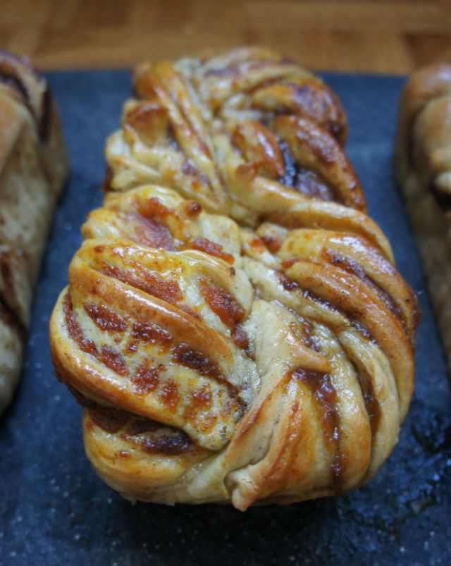 Breaking Yom Kippur Fast with this pumpkin spice babka vertical