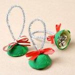 Kerst - Knutselen met kinderen - Egg Carton Bell Christmas Craft - Fantastic Fun and Learning