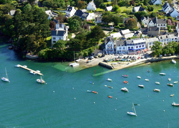 Vue aérienne du port de Sainte Marine, #Finistère #Bretagne #Brittany