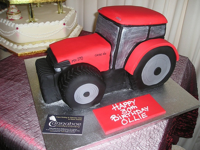 Tractor cake by cacamilis, via Flickr