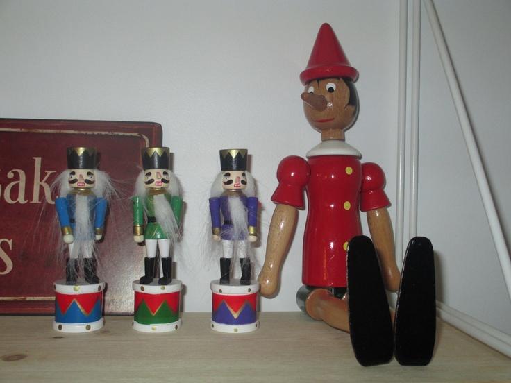 Pinokkio ja pienet rumpalipojat