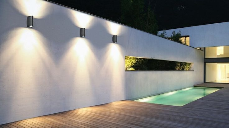 patio terraza con piscina y luces Led