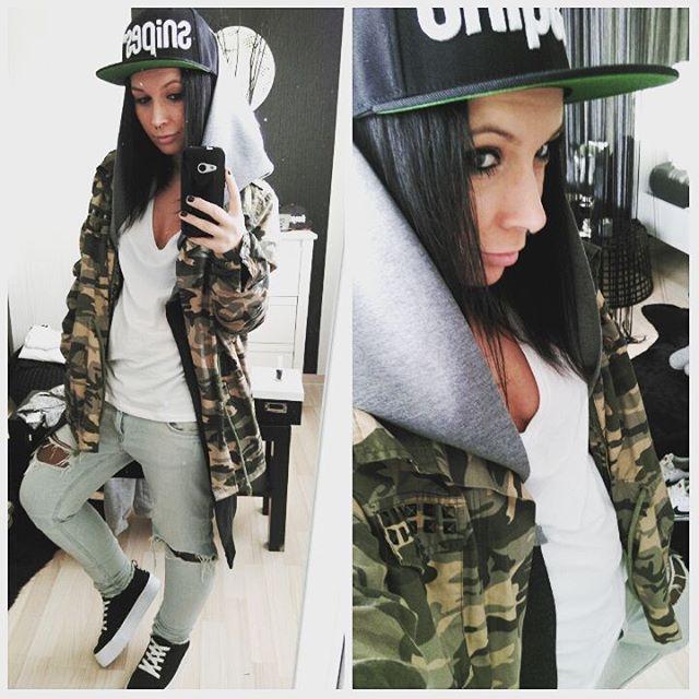 #snipes#septum#camouflage#tattoo#inkaddict#ink#cap#gwlg#black#blackhair#jeans#browneyes#style#lesgirl#lesbehonest#happy#smilie#shorty#fashion#girlwithtattoos#nike#snapback