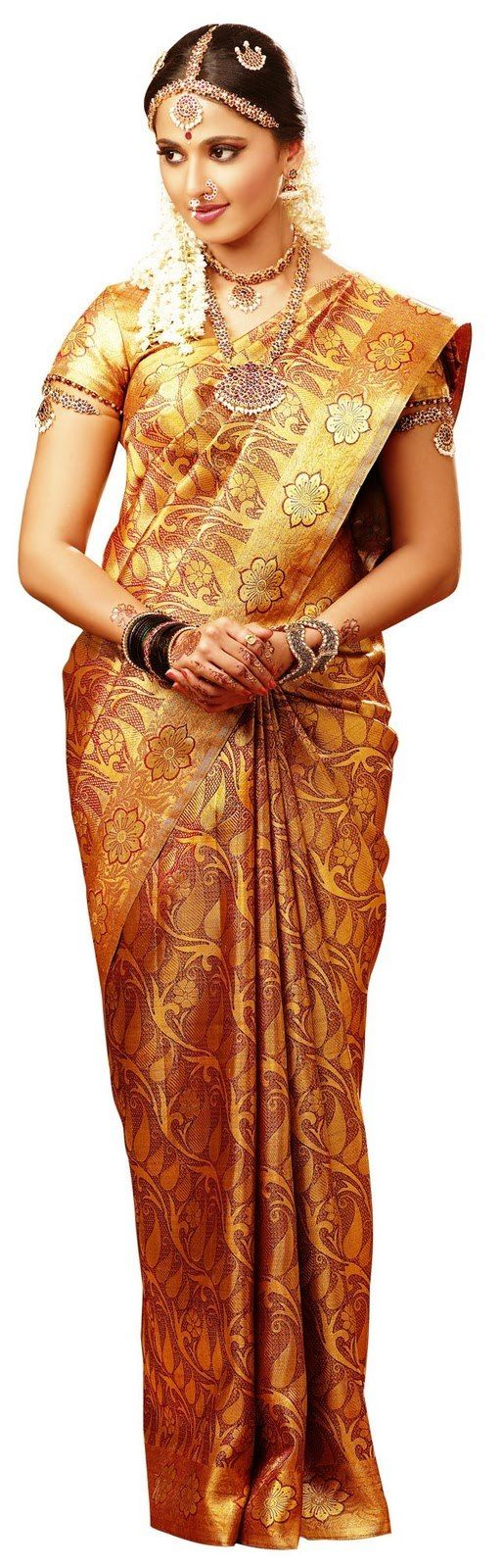 Cute Anushka Shetty in sweet designer saree