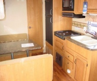 2011 Used Salem Cruise Lite 24QB Travel trailer for sale by Johnny Bishop RV Sales and Service in Columbus, MS, USA at UsedRVsUSA.Com