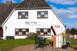 """""""Nette Gastgeber mit lecker Nordsee-Frühstück"""", Letj Briis in Norddorf/Amrum • Schleswig-Holstein, Deutschland"""