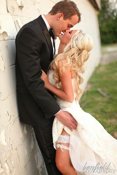 Great wedding Photo idea, love the sexiness but still ok to show ppl -- well damn.