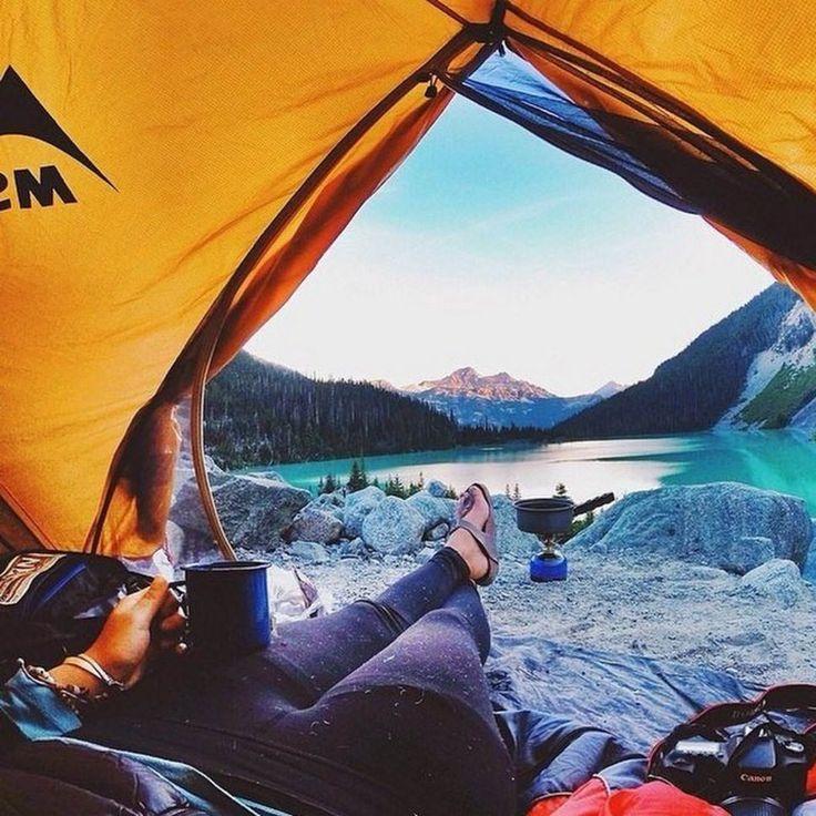 Se réveiller dans une tente c'est parfois beaucoup plus sexy qu'on ne le pense !