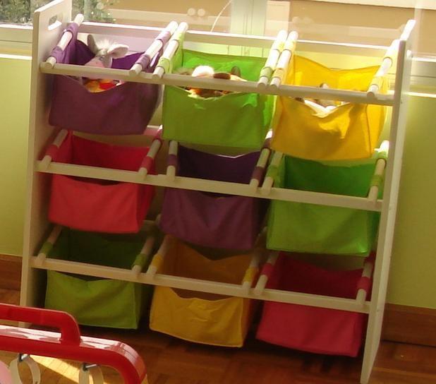 Estante organizador para cuarto de niños, madera pino, bolsillos de algodon.