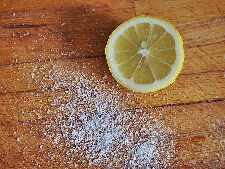 Jak czyścić drewnianą deskę