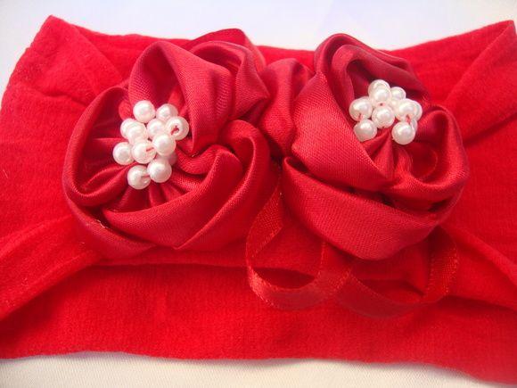 faixa para bebe em meia de seda vermelha, flores em cetim vermelho com aplicação de mini perolas  . Sua princesa vai ficar ainda mais linda. Confortavel, não machuca a cabecinha. R$ 22,90