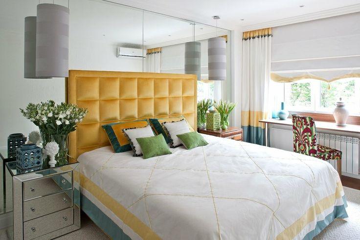 Многофункциональная спальня с зеркалами