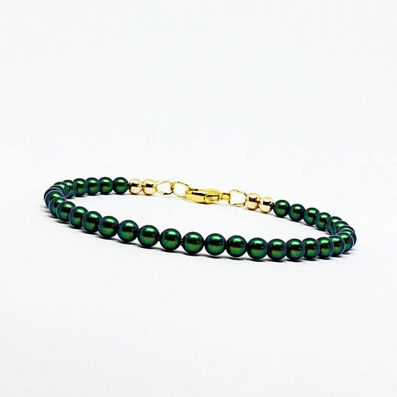 Hey, I found this really awesome Etsy listing at https://www.etsy.com/uk/listing/555951650/tiny-pearl-bracelet-gold-and-pearl