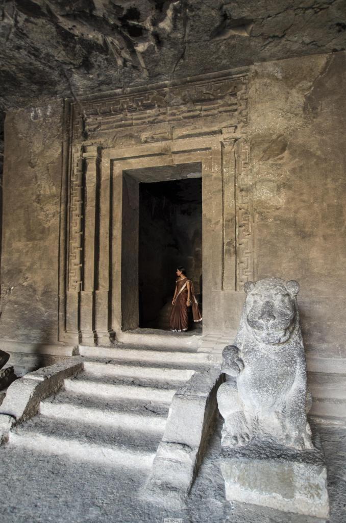 Wyspa Elephanta / Elephanta Caves near Mumbai  #travel #travelblog #India #Mumbai #Elephanta #caves