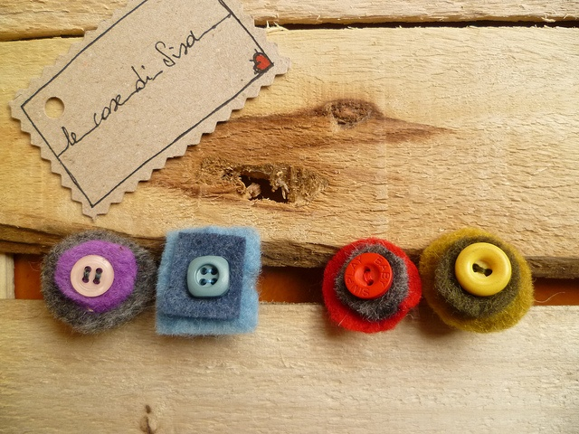 Colored rings with felt
