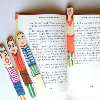 Simple Craft Stick Bookmarks.  Use tongue depressor size and let the kids make a bookmark for their teacher at the end of the year.  Or a good craft for a child to do for Mother's Day gift.  Cute.