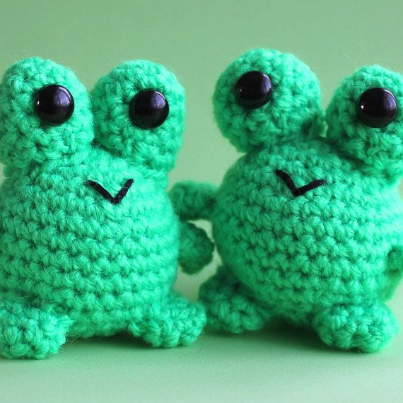 Amigurumi Green Frog : 17 Best images about Crochet frog lovers on Pinterest ...