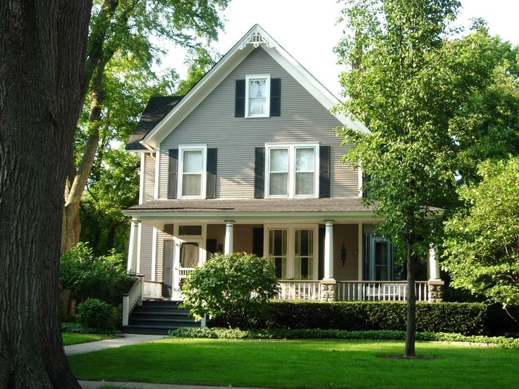 Paint exterior grey house doesn 39 t get as dirty as white - Country style exterior house colors ...