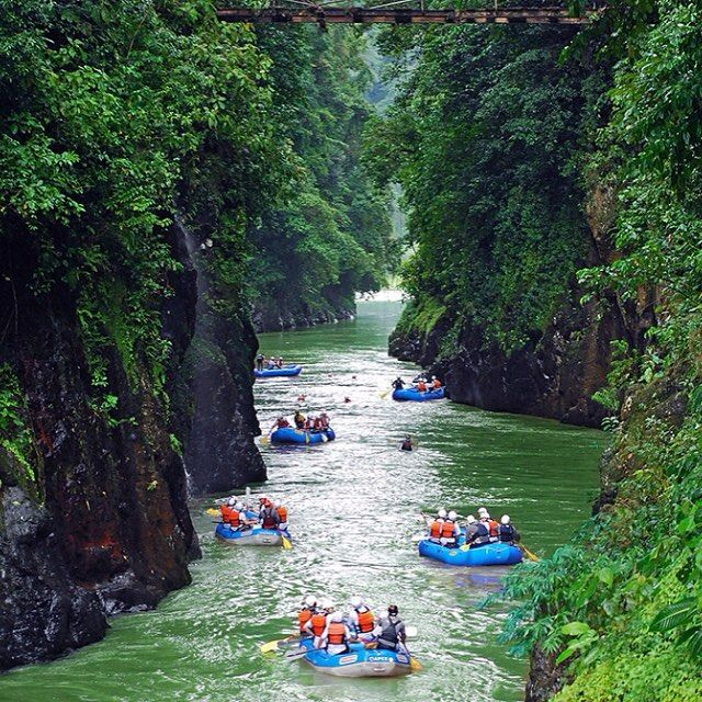 These are adventures you can write how about! Rafting into the Pacuare Lodge in Costa Rica! #crexperts #braggingrights