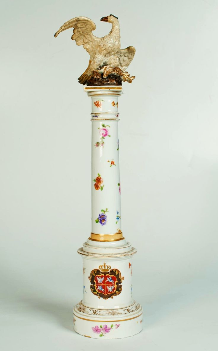 Porcelain column with Polish eagle (Bar column) by Anonymous from Prussia, before 1790, Ossolineum donated by Stanislaus Augustus to the British Ambassador Sir Charles Williams Handbury