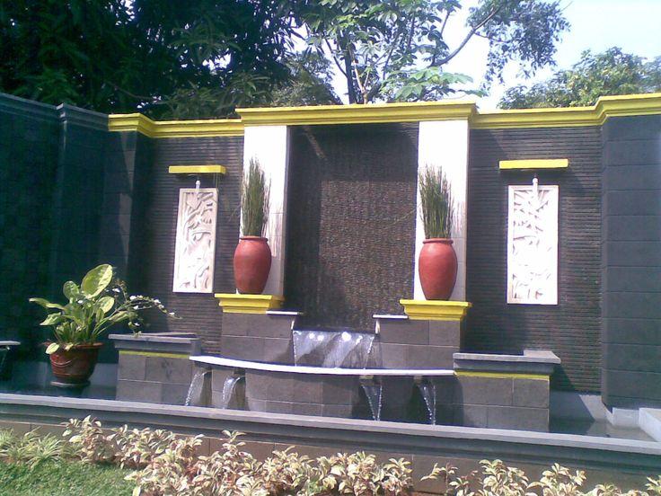 Tukang Taman Surabaya - Jasa Taman yang sudah menggeluti bidang taman selama puluhan tahun, Kami bekerja secara profesional dan bertanggung jawab dengan mengutamakan kualitas hasil kerja demi …