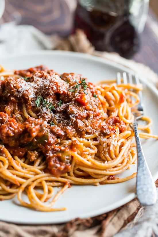 Spaghetti al ragù (Ragù is a typical italian sauce made with tomato sauce and meat )_ITALIAN FOOD