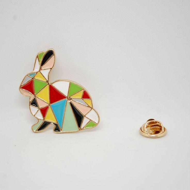 Значок на одежду цветной кролик оригами