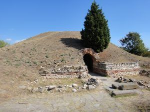 01/04/2017 WCA & BHS pedition of LZ1DPN to fortress ANCHIALUS and THRAKIAN TOMB-POMORIE