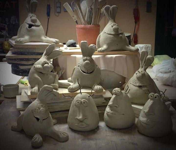 Rakurität Event Keramik Garden Sculpture Ideas Cement Rakukeramik Tierisch Originell Rakurität Eventkera Ceramics Projects Clay Projects Pottery Sculpture