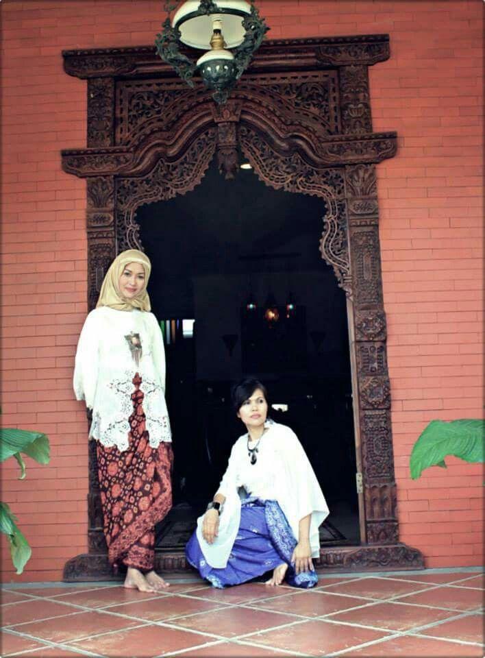 Kebaya with kain palembang. G'nitZ mbuita